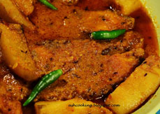 Rohu Kalia With Baby Potatoes